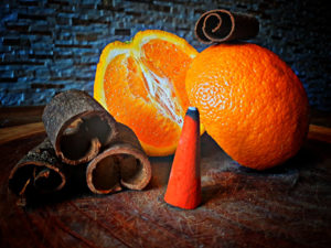 5 Stück Riesenräucherkegel Zimt-Orange